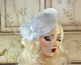 Ivory Fascinator Hat with Feathers - Cream Wedding Fascinator Hat - British Fascinator Hat - Ivory Bridal Fascinator - Tea Party Hat