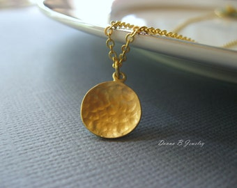 Personlized Eternity Necklace, Hammered Circle Necklace in Silver or Gold