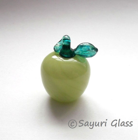 Green Apple Ornament :DISASTER RELIEF