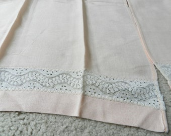 Vintage Cotton Rayon Blend Dusty Peach Pink Towels Lace Insert Set of 2
