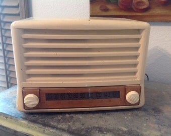 Transport Back in Time. Antique Admiral Tube Radio Works! FREE SHIP