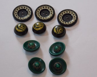 1930s and 1940s Buttons