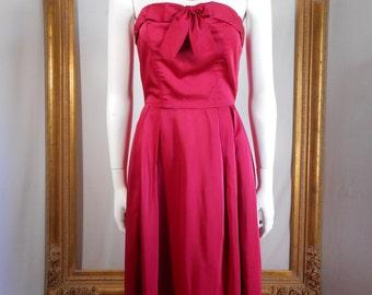 Vintage 1960's Magenta Strapless Evening Dress - Size 4