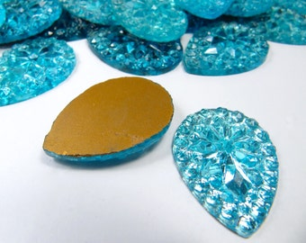 2 Pcs Tear Drop Gold Foil Flat Back BLUE Glass Cabochon Vintage Unusual 1930s Sparkly