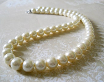 16 Inch Pearl Necklace Ivory Pearl Bridal Jewelry Wedding Day Necklace Pearl Bead Necklace Bridesmaids Pearl Jewelry Simple Pearl Necklace