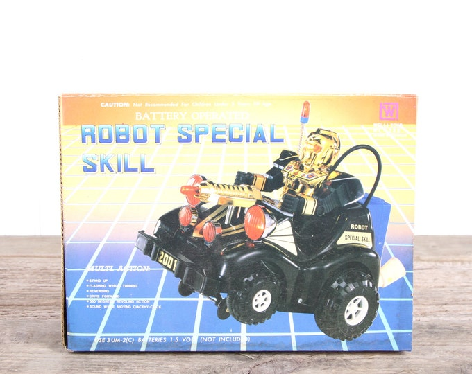 Vintage Toys Old Robot / NIB Robot Special Skill Toy / Wei Li Toys / Battery Powered Toys / Vintage Toy Trucks / Original Box New Old Stock