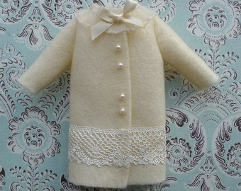 SALE % Cream Felt Blythe Coat | Pullip Coat