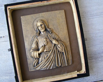 The sacred Heart of JESUS shadow box Art, Handcarved wooden 3D Gold Jesus Christ Wood Wall Art, Religious Decoration, Christianity adornment