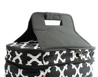 Monogrammed Casserole Carrier - Quatrafoil Pattern - Wedding Gift - Bridesmaids gift - Shower Gift - Carrier - Travel Cookware