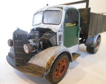 Scale Model, Steampunk Truck,  White ,Rusted  Wrecked , Classicwrecks
