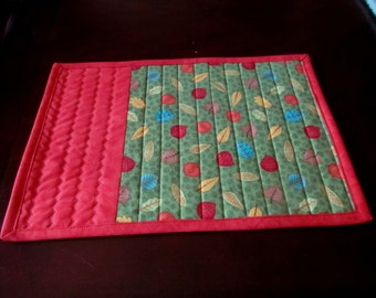 "Set of 2 place mats 17""x12"",  Leaves on Green, and Orange"