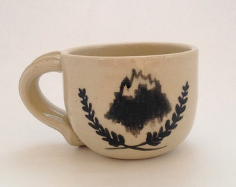 Mountain Garland Ceramic Mug