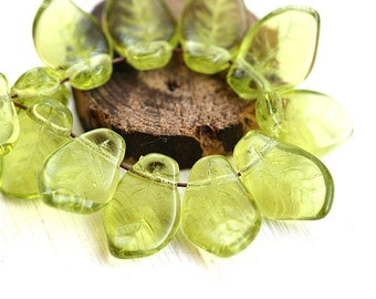 Olivine leaf beads, czech glass, Olive green wavy leaves, pressed glass beads - 9x14mm - 12Pc - 0878