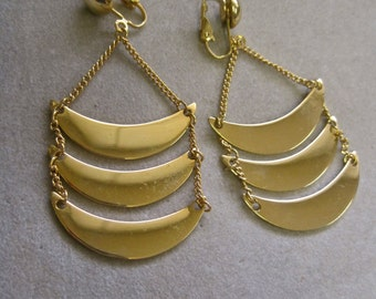 Modernist Dangles Shiny Gold Crescent Moon Articulated Chains Clip On FAB Runway Style Vintage 60s Movable Swinging Statement STUNNING