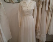 Charlotte - Vintage Wedding Dress in Ivory Cream with Long Sleeves & Button Details