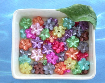 Flower Cabochons, Plastic Pearlized Flowers, Mixed Bead Lot, Applique', Collage, Card Making PCB-020