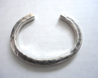 Sterling Silver Bracelet, Vintage Silver Bracelet, Hammered Silver Bracelet, Cuff Bracelet, Mahri Jewelry, Marked Silver, Simple Silver Cuff