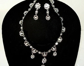 Wedding Bib Necklace Earring Demi Set Clear Ice Rhinestones Silver Metal Flowers Vintage