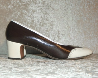 Shoes Brown & White Patina Wingtip Spectator Shoes Chunky Heel1960's DeLiso Debs Size 7-1/2 B