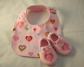 Baby girl bib and crib shoe set new baby gift pink random hearts pattern fleece lined RTS