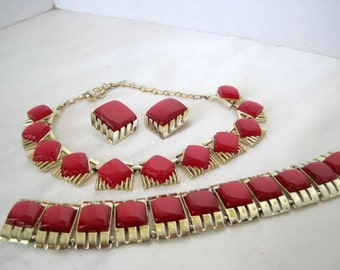 Red Thermoset Necklace Set - Red Parure Unsigned - Modernist Style