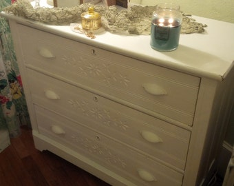 Lovely Painted Cottage Dresser