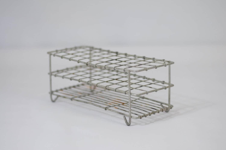 Vintage metal wire test tube holder laboratory equipement for Test tube flower vase rack