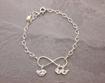 Mom Bracelet, mothers jewelry, eternity bracelet, infinity bracelet, mother daughter, mother bracelet, mothers day, N23