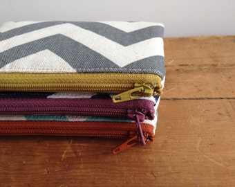 Gray Chevron Coin Purse, Small Zipper Pouch, Zipper Coin Pouch, Grey and Yellow, Chevron Stripes, Gadget Case, Card Holder