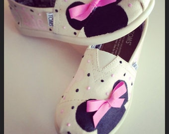 Children's Kids Disney custom Toms Mickey Mouse Minnie Mouse hand painted