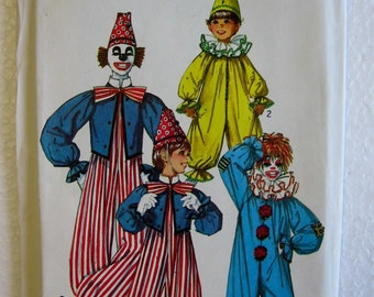 Simplicity Toddlers Boys Girls Clown Costume Sewing Pattern 7162 Size  2 4 UC FF Uncut Vintage