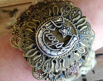 Jute Cuff With Rhinestone Horseshoe