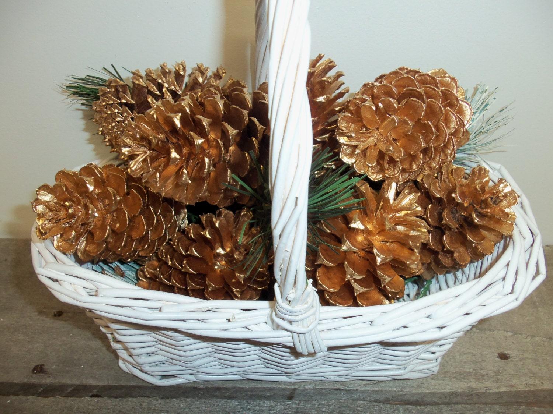 Gold pine cones pine cone painted pine cones pine cone for How to paint pine cones for christmas