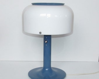 "Blue white table lamp ""knubbling"" from Ateljé Lyktan"