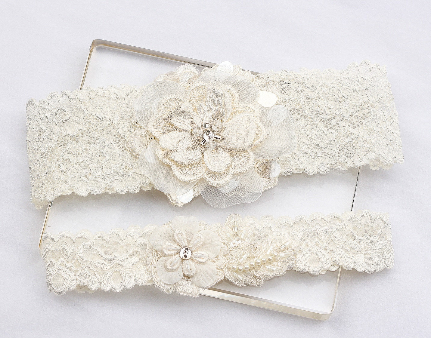 Ivory Lace Garter Set Wedding Bridal Garter Set By MirinoBridal