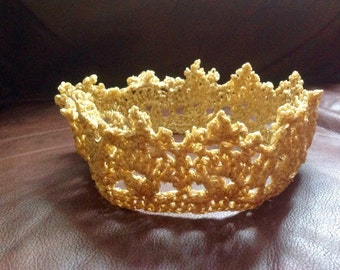 Boy/Girls Golden Crown crochet prince princess photo prop 1st birthday Xmas size 12 months-10 years