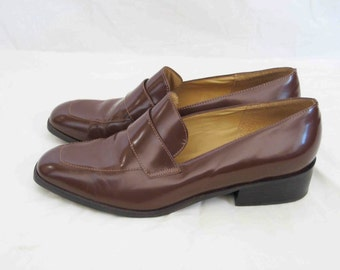 Vintage Brown Leather Loafer, Women's size 8.5