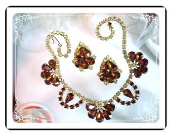 Amber Rhinestone Demi -  Necklace & Earring Set Half Flower Motif   Demi-1326-022312000