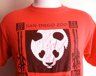 vintage 80s San Diego Zoo giant Panda exhibit 1987 1988 black white print graphic t-shirt red crew neck tee medium hanes beefy-t made in usa
