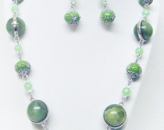 "25"" Mixed Chunky Greens Beaded Necklace & Earrings Set"