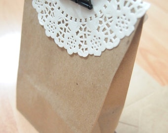 SALE!!!!!! 20 SMALL Kraft Paper Gift Bag with base/bottom - craft/packaging/gift wrapping/food