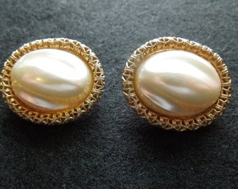 Vintage Sarah Coventry Earrings, Large Almond Pearl Set In Gold Toned Filigree.  Clip On Type.  Signed