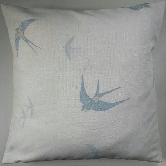 kissen decken in laura ashley blue bird schwalben 14. Black Bedroom Furniture Sets. Home Design Ideas