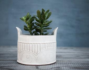 Ceramic planter, White Ceramic Vase, White Modern Planter, Cactus planter pot, Ceramic textured flower pot, Indoor plant pot, Unique planter
