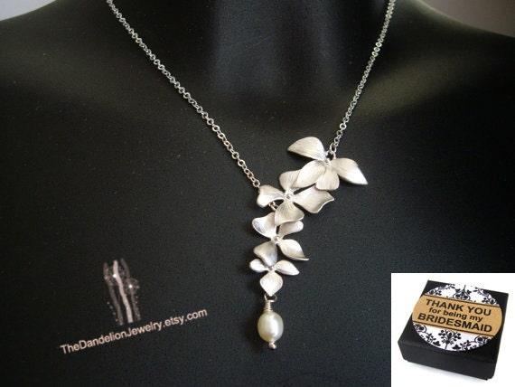 Four Flower Necklace, Lariat Necklace, Bridesmaid Gift, Bridesmaid Necklace, Bridal Jewelry, Wedding Jewelry, Wedding Necklace, SALE 10% OFF