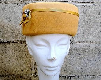 Vintage Hat 1950s Honey Gold Latte Mocha Gift under 30 Rhinestone Ribbon Grosgrain band