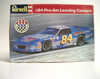 Revell #84 Pro-Am Leasing Camaro 1:25 7138 Vintage 1989 Kit