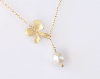 Pearl Lariat Necklace with Flower Accent - Flower Lariat Necklace  - Gold Filled Chain - June Birthstone - White Pearl Bridesmaid Jewelry