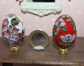 Dollhouse miniature easter  egg in enamel and gold filigree on pedestal