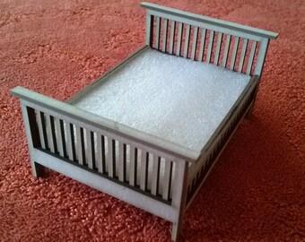 Half scale  (1/24)DIY kit dollshouse bed.